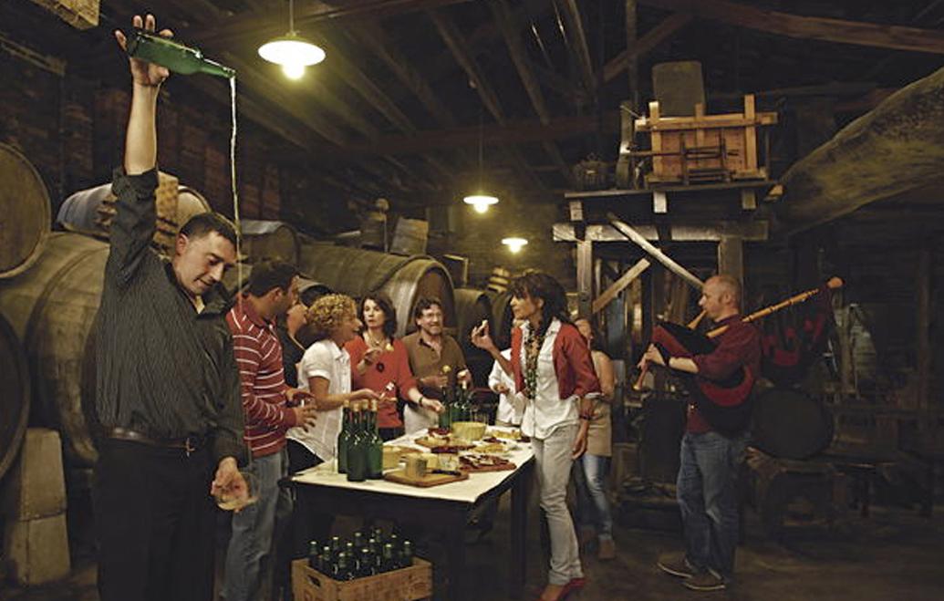Fiesta de Les Comadres en Pola de Siero