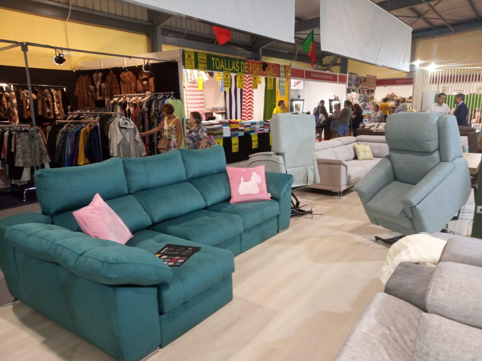 Sofás, sillones y chaise long, todo para tu salón.