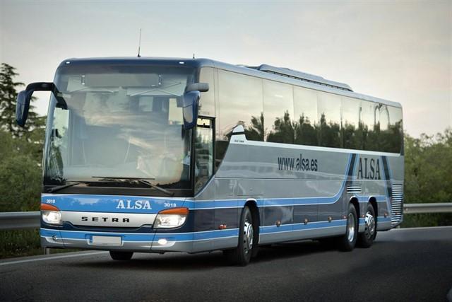 Autobuses especiales entre Cangas del Narcea y Oviedo para La Descarga
