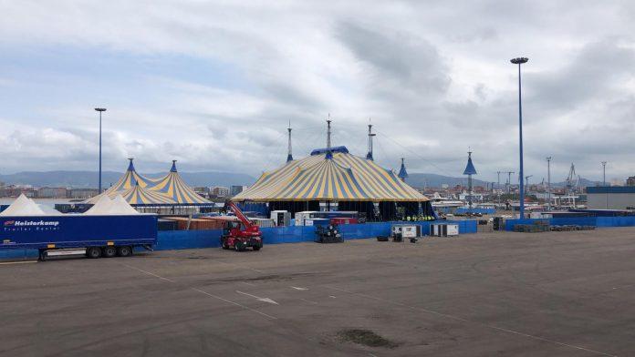 El Circo del Sol ya ha levantado su carpa amarilla y azul en Gijón