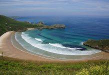 Dos playas asturianas, entre las diez mejores de España